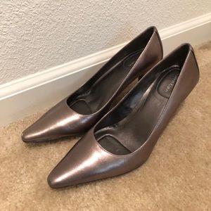 Calvin Klein Dolly pumps Silvery grey size 8.5